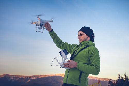 Pilote de drone en Provence